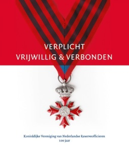 2017-09-25 KVNRO-jubileumboek titel cover_gecropt